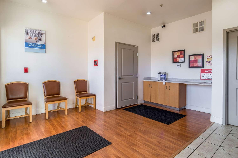 Restaurant - Studio 6 Extended Stay Hotel Bakersfield