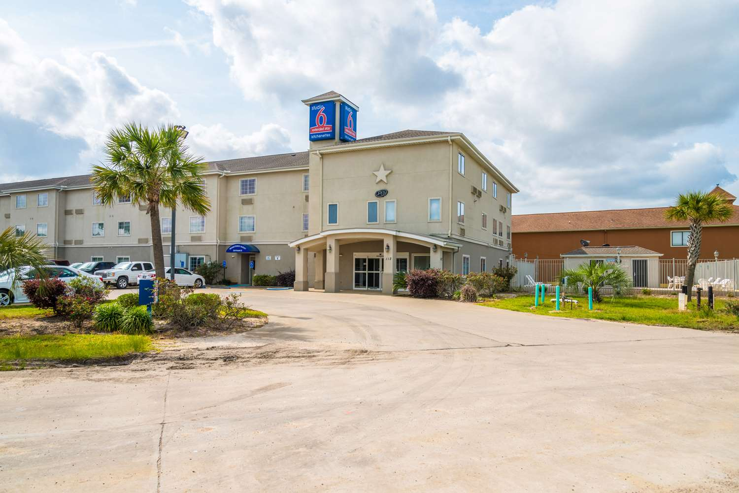 Exterior view - Studio 6 Extended Stay Hotel Sulphur