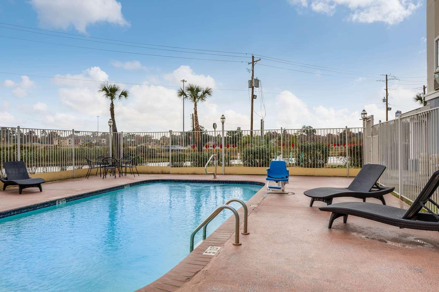 Pool - Studio 6 Extended Stay Hotel Sulphur