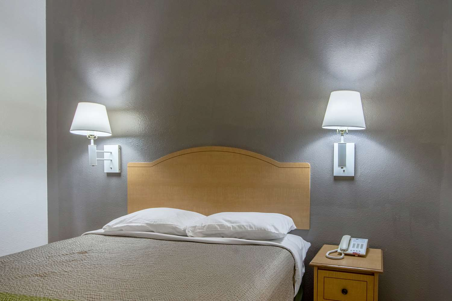 Room - Studio 6 Extended Stay Hotel Lafayette