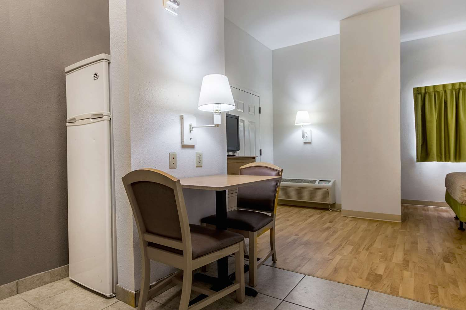 Amenities - Studio 6 Extended Stay Hotel Lafayette