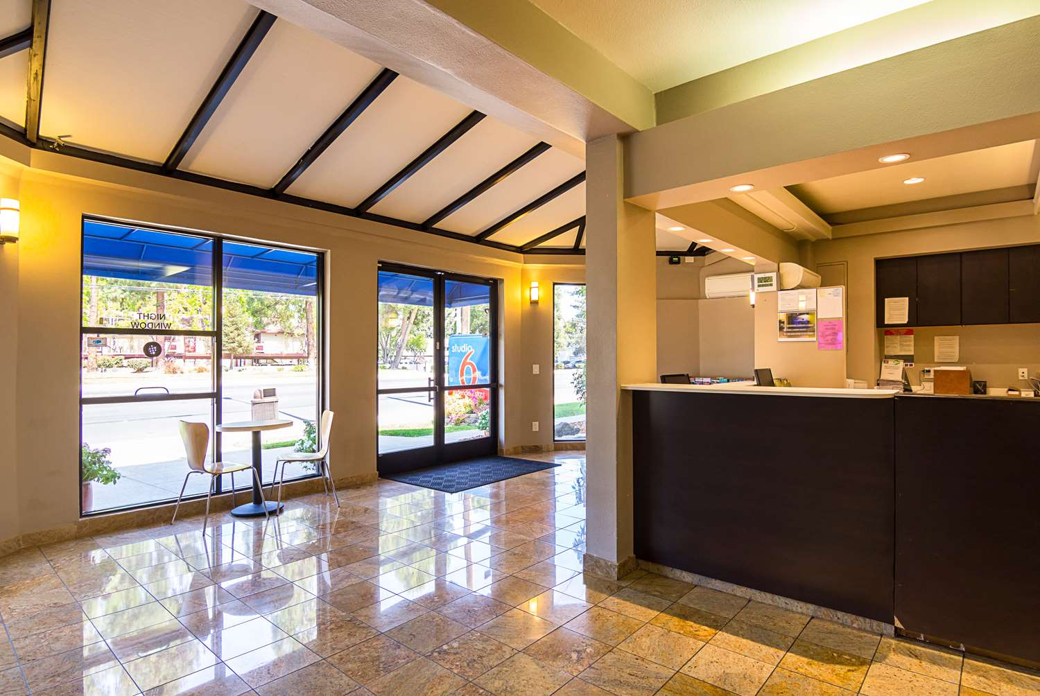 Lobby - Studio 6 Extended Stay Hotel Concord