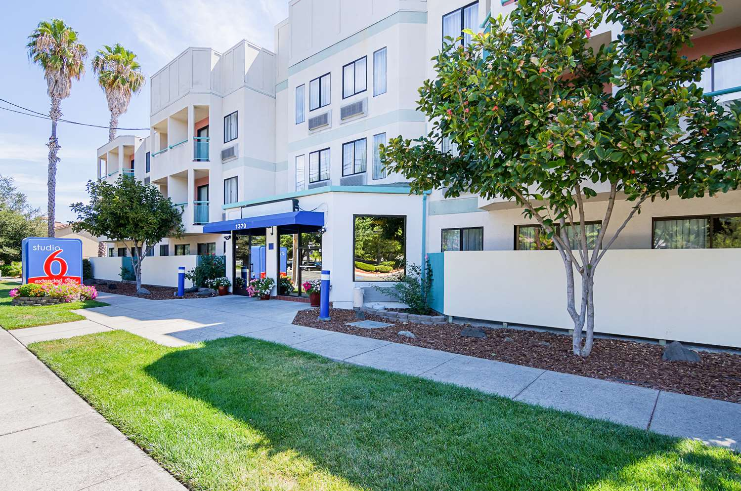 Exterior view - Studio 6 Extended Stay Hotel Concord