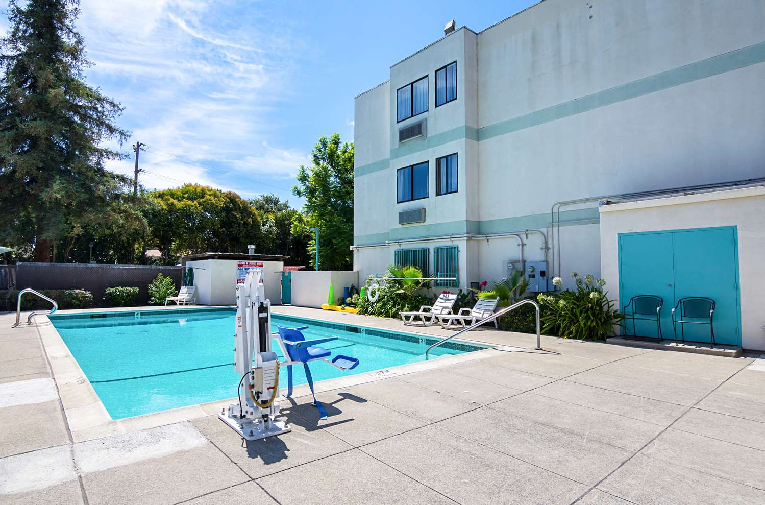 Pool - Studio 6 Extended Stay Hotel Concord