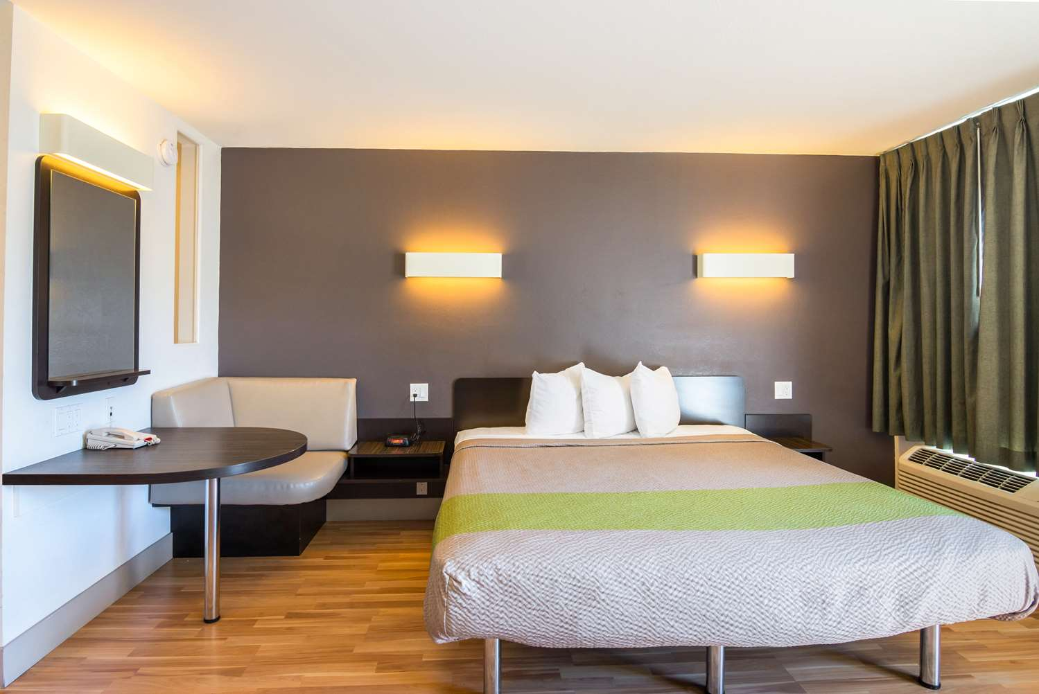 ne center in us room stay lincoln downtown townhouse extended fitness deals hotel