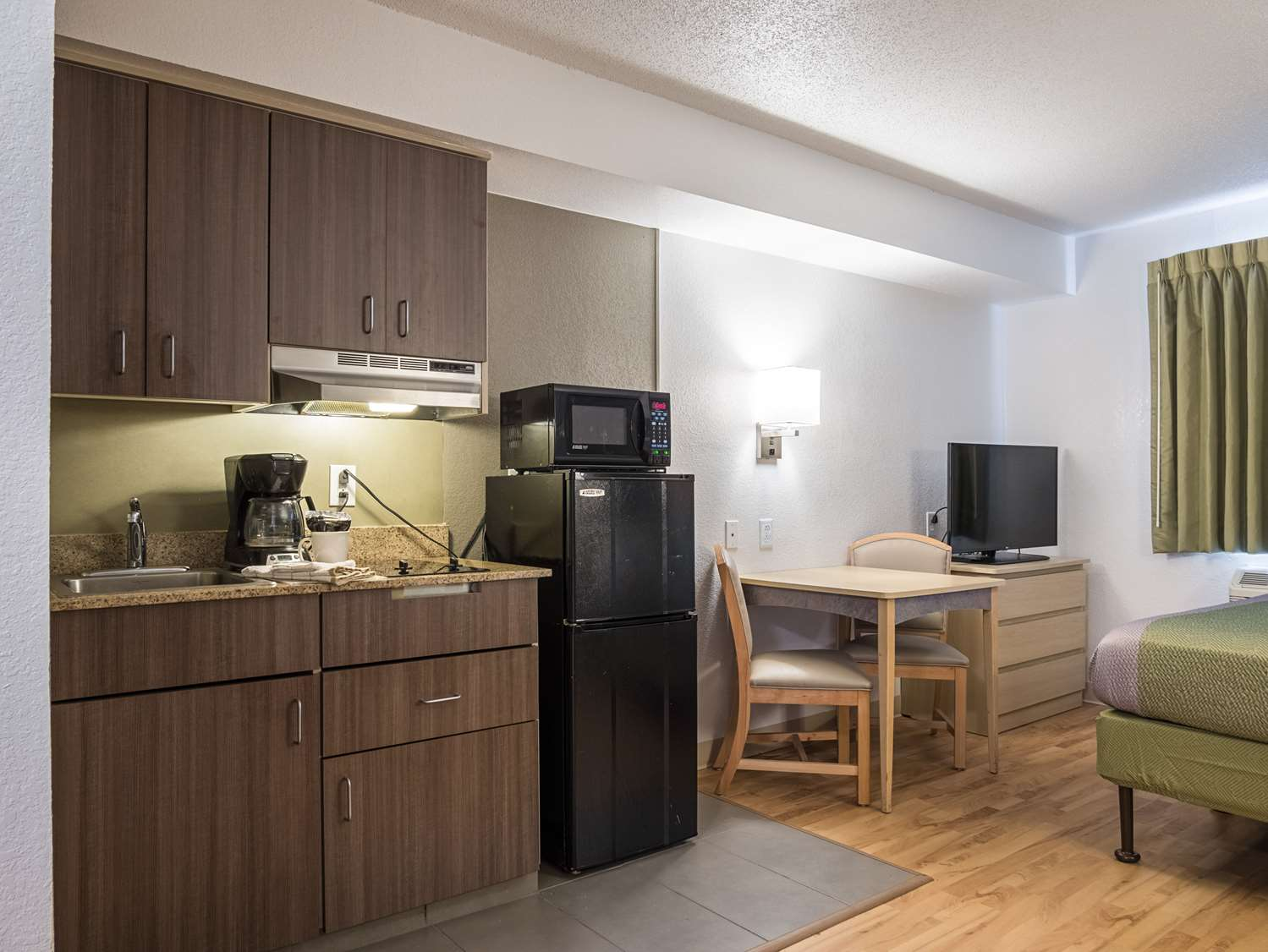 Amenities - Studio 6 Extended Stay Hotel Miamisburg