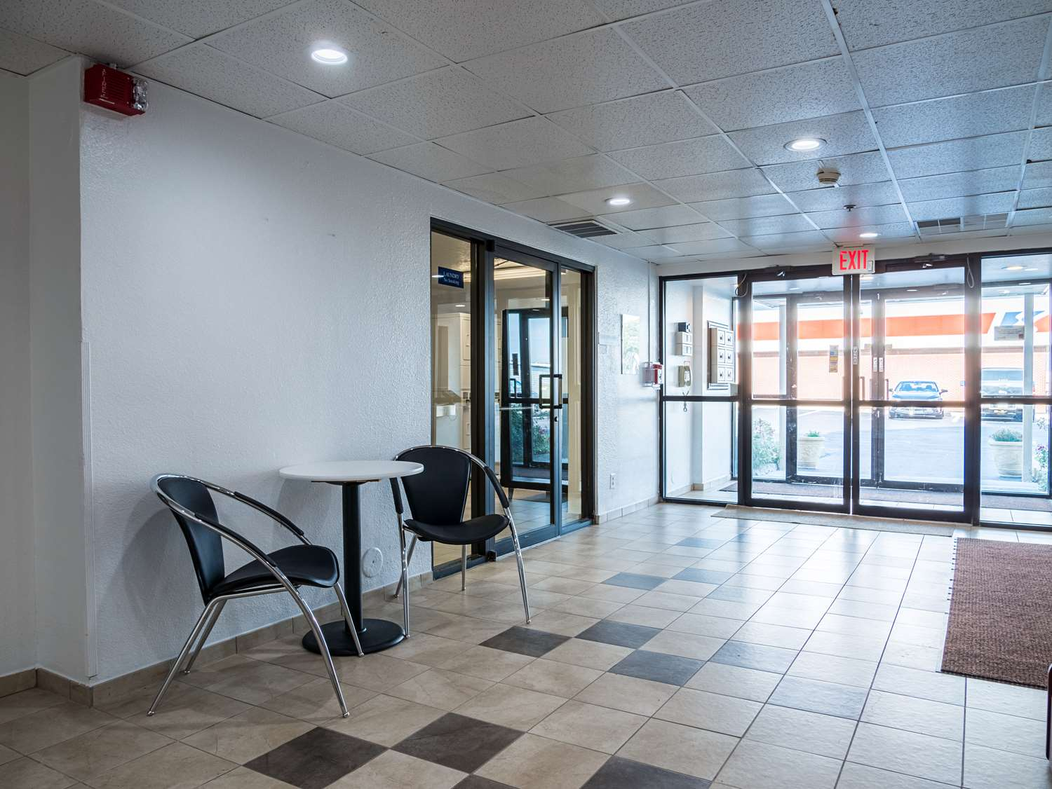 Lobby - Studio 6 Extended Stay Hotel Miamisburg