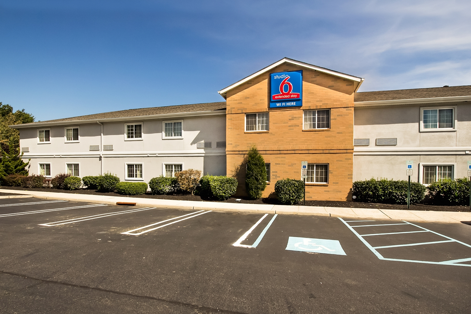 Exterior view - Studio 6 Extended Stay Hotel East Brunswick