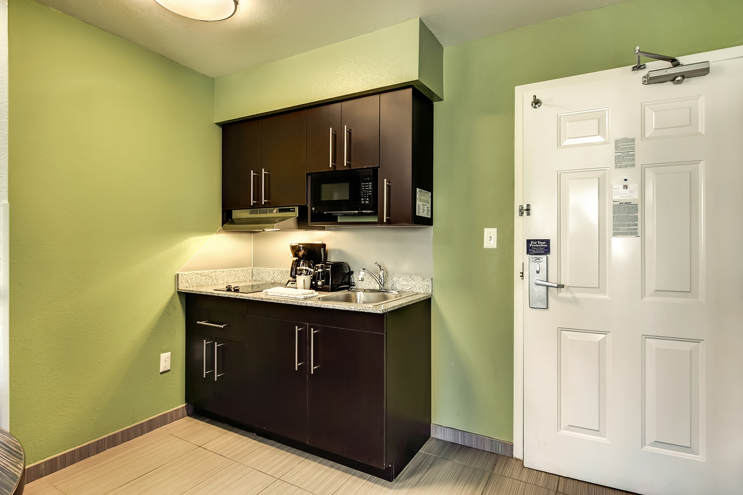 Amenities - Studio 6 Extended Stay Hotel East Brunswick
