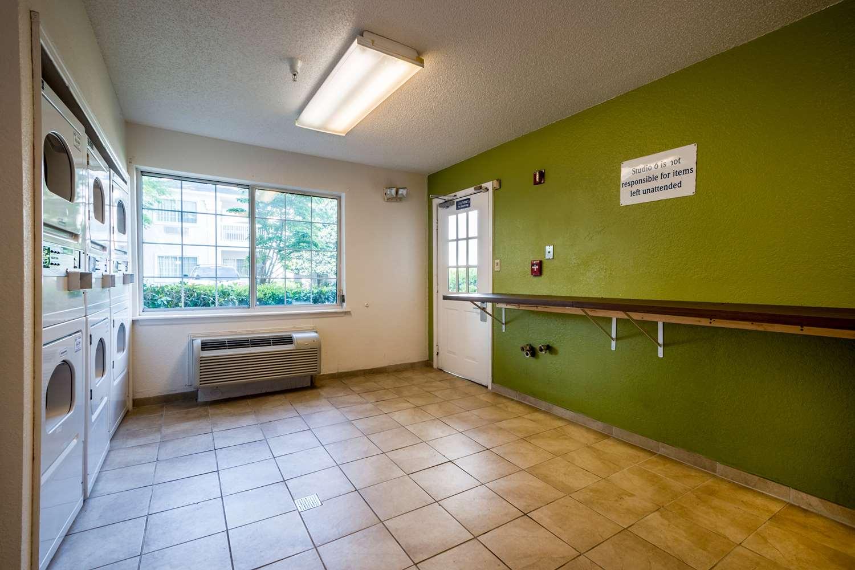 proam - Studio 6 Extended Stay Hotel Gwinnett Place Duluth