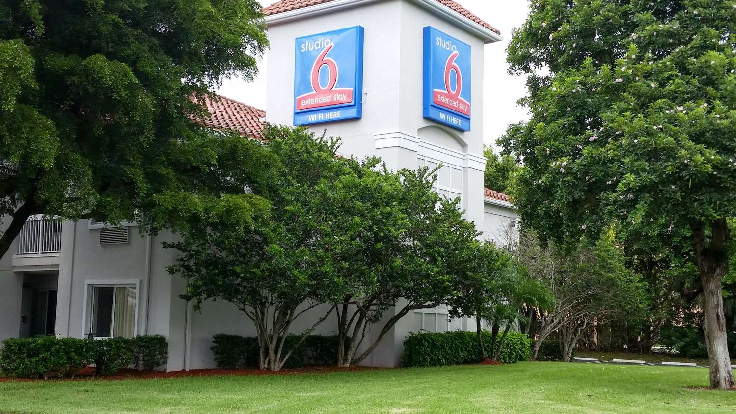Studio 6 Extended Stay Hotel North West Palm Beach, FL - See Discounts