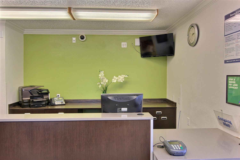 Lobby - Studio 6 Extended Stay Hotel Midtown Austin