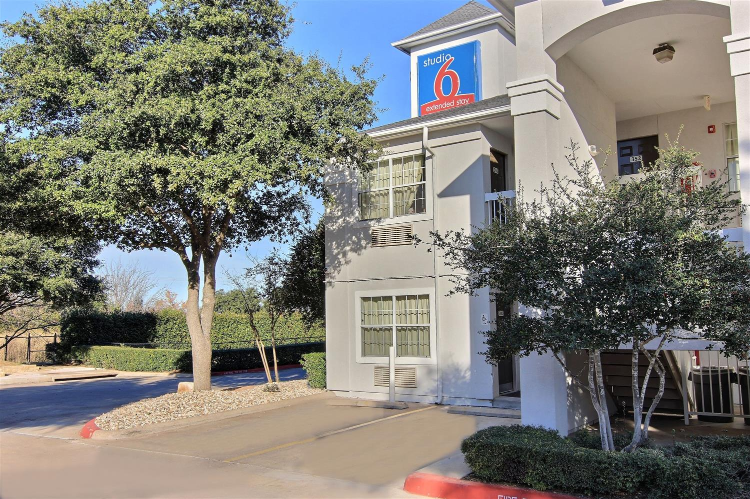 Exterior view - Studio 6 Extended Stay Hotel Midtown Austin