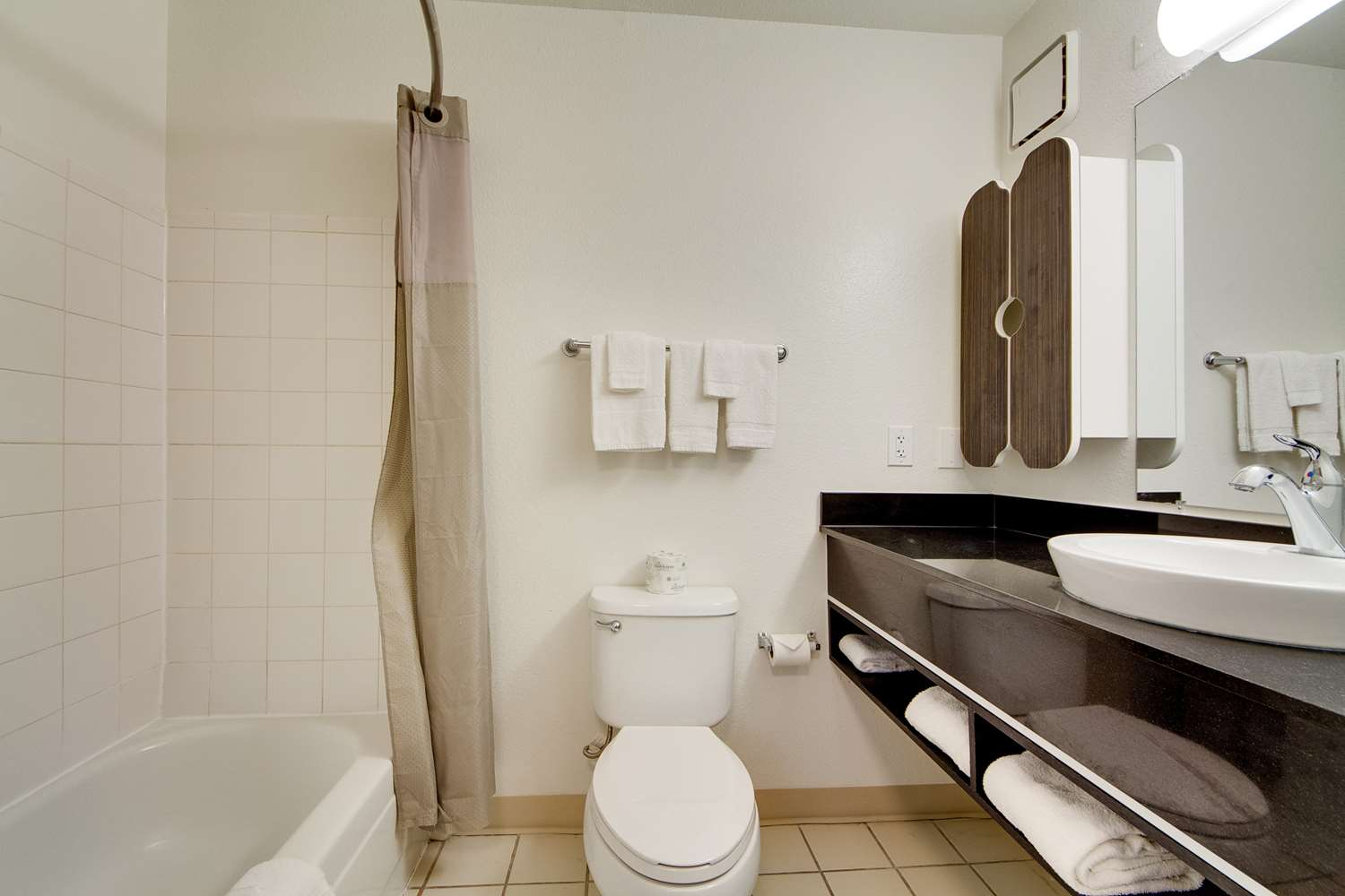 Room - Studio 6 Extended Stay Hotel North Richland Hills