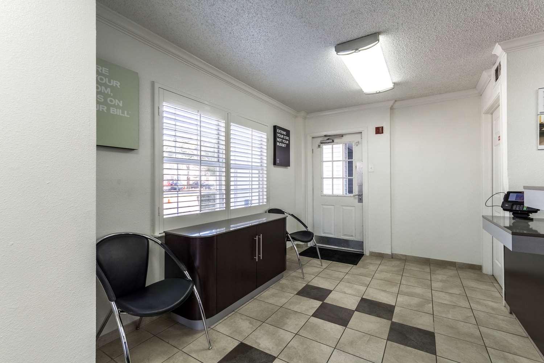 Lobby - Studio 6 Extended Stay Hotel Northwest Dallas