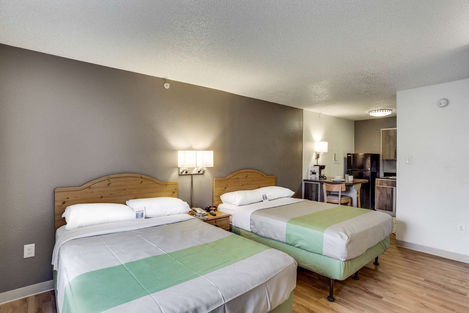 Room - Studio 6 Extended Stay Hotel West Houston
