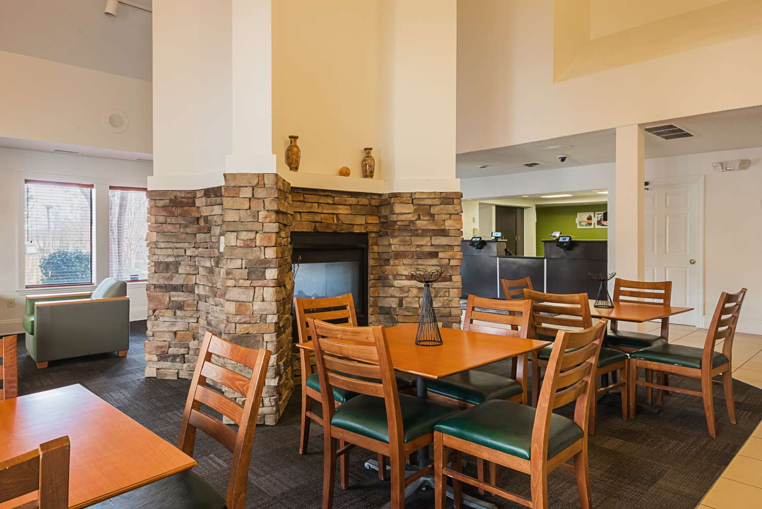 Restaurant - Studio 6 Extended Stay Hotel Greensboro