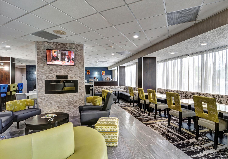 Lobby - Best Western Plus Hanes Mall Hotel