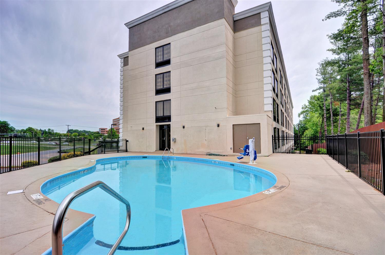Pool - Best Western Plus Hanes Mall Hotel