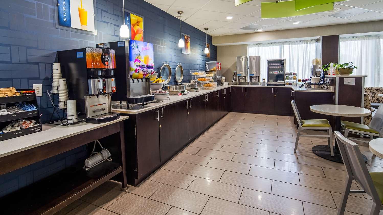 Restaurant - Best Western Plus Hanes Mall Hotel