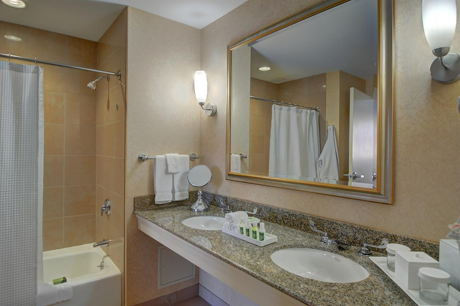 Room - Southbridge Hotel & Conference Center