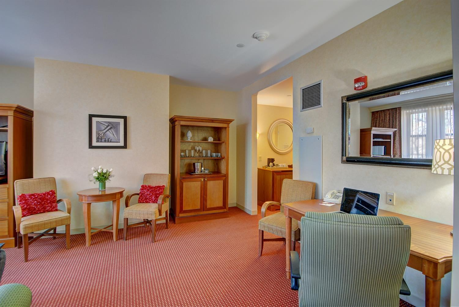 Suite - Southbridge Hotel & Conference Center