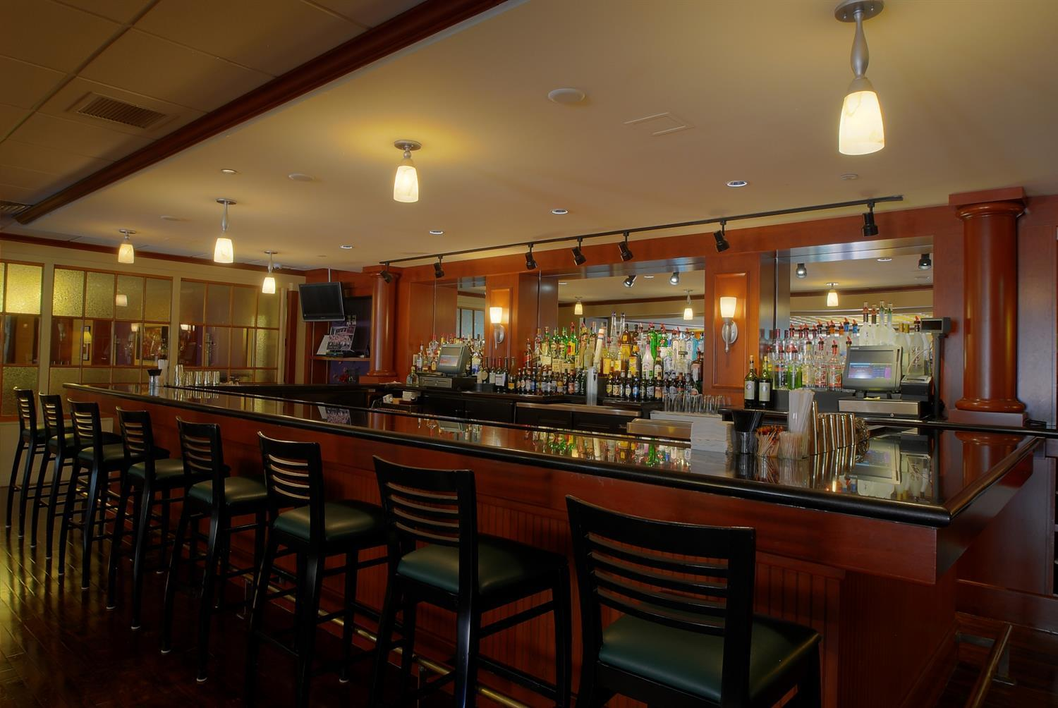 Bar - Southbridge Hotel & Conference Center