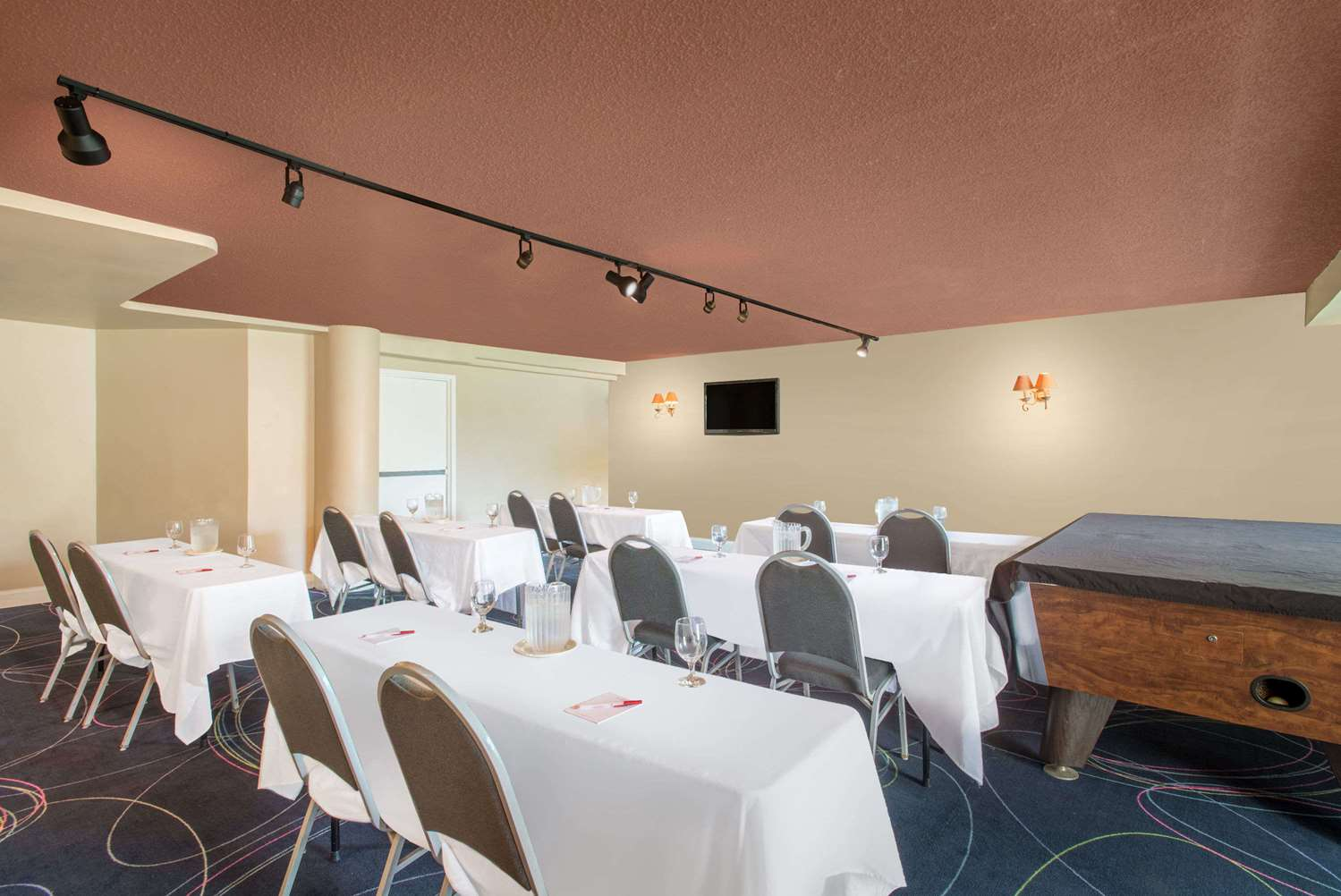 Meeting Facilities - Ramada Inn Whitehall