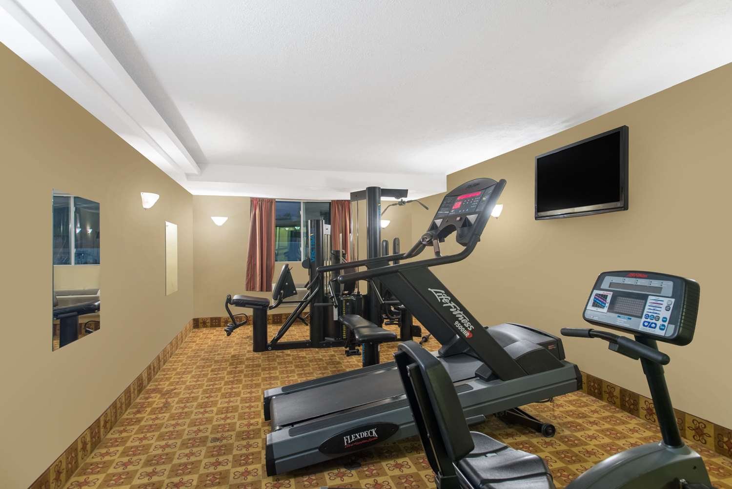 Fitness/ Exercise Room - Ramada Inn Whitehall