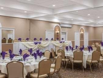 Ballroom - Ramada Inn University Center Fresno
