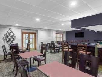 Restaurant - Ramada Inn University Center Fresno