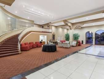 Lobby - Ramada Inn University Center Fresno