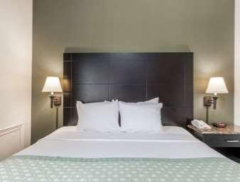 Suite - Ramada Inn Newburgh