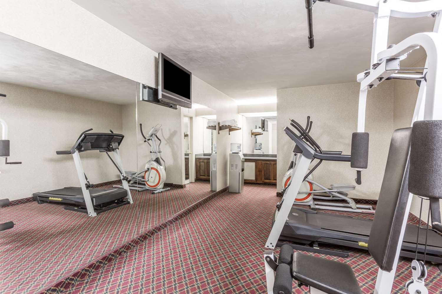 Fitness/ Exercise Room - Ramada Limited Hotel Norfolk