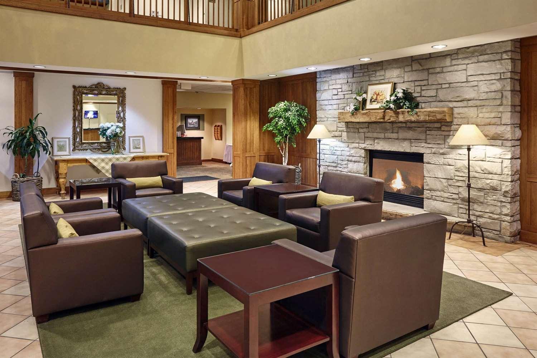 Lobby - Howard Johnson Plaza Hotel Madison
