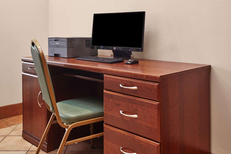 Conference Area - Howard Johnson Plaza Hotel Madison