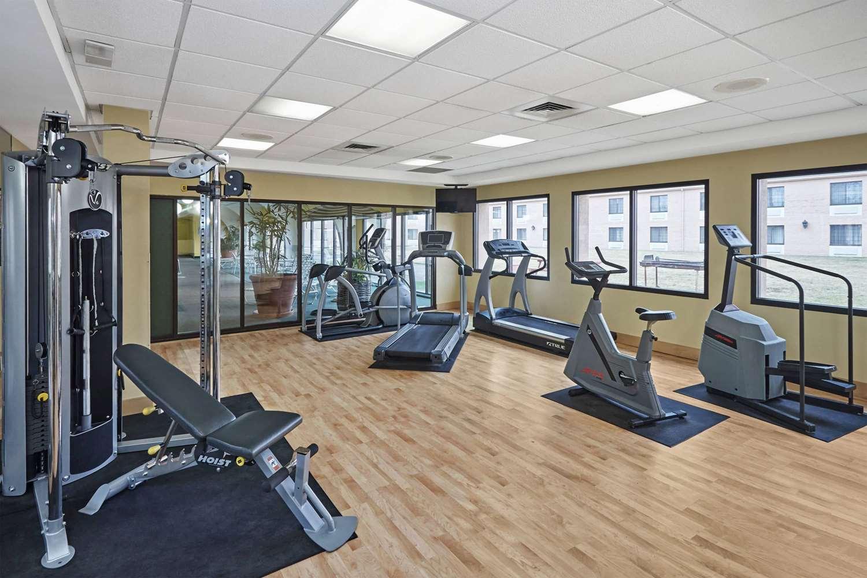 Fitness/ Exercise Room - Howard Johnson Plaza Hotel Madison