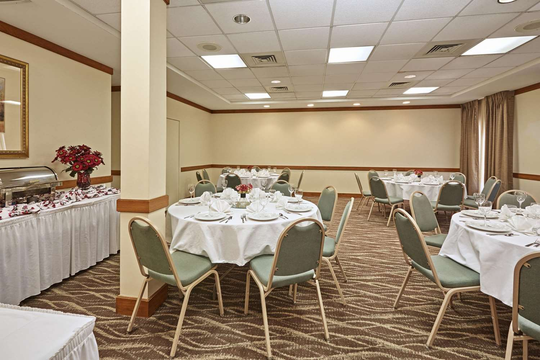 Meeting Facilities - Howard Johnson Plaza Hotel Madison