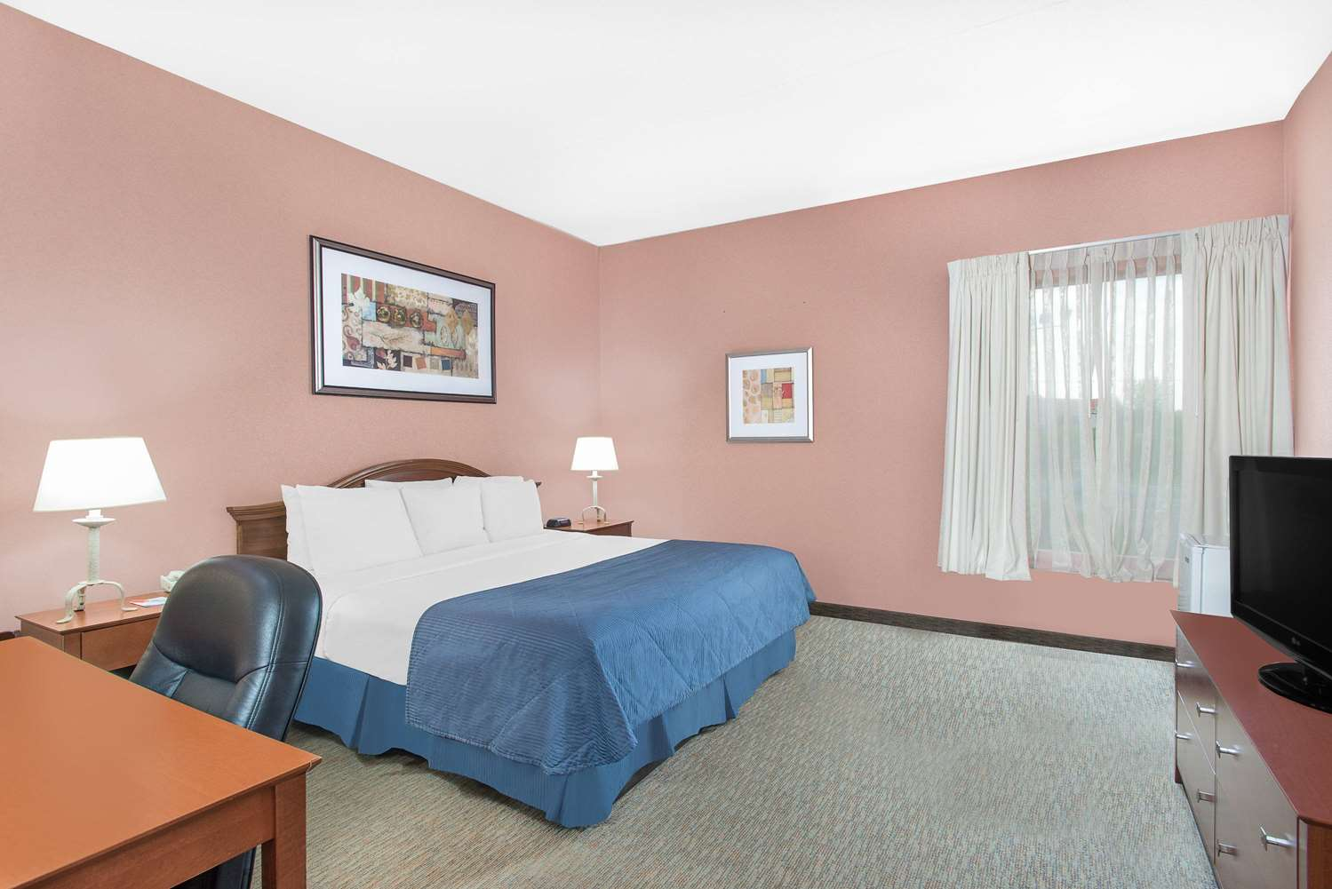 Room - Howard Johnson Express Inn Hadley