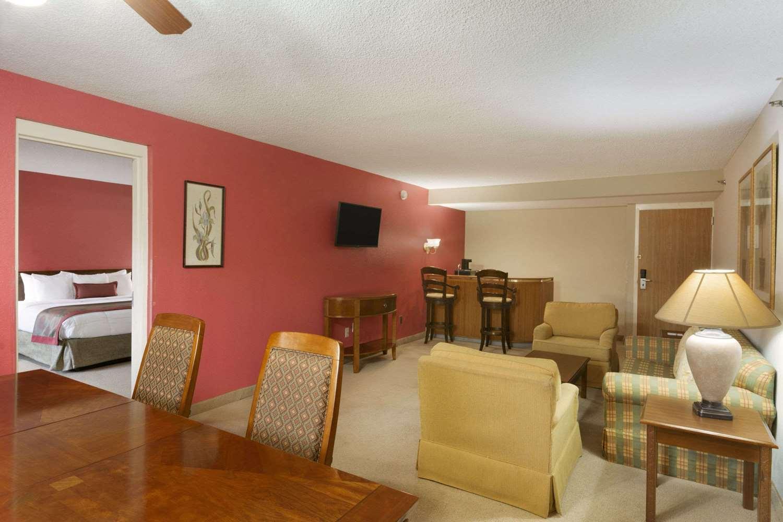 Suite - Ramada Inn Blue Ridge Raleigh