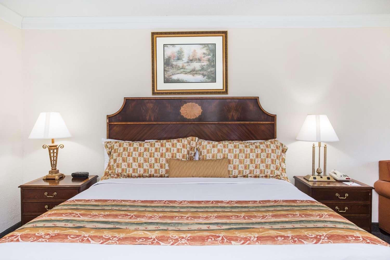 Suite - Ramada Inn Cordele