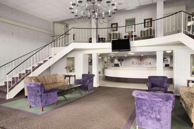 Lobby - Ramada Inn Bangor