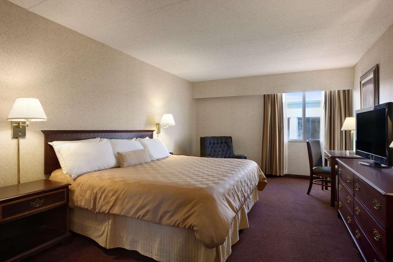 Suite - Ramada Inn Bangor