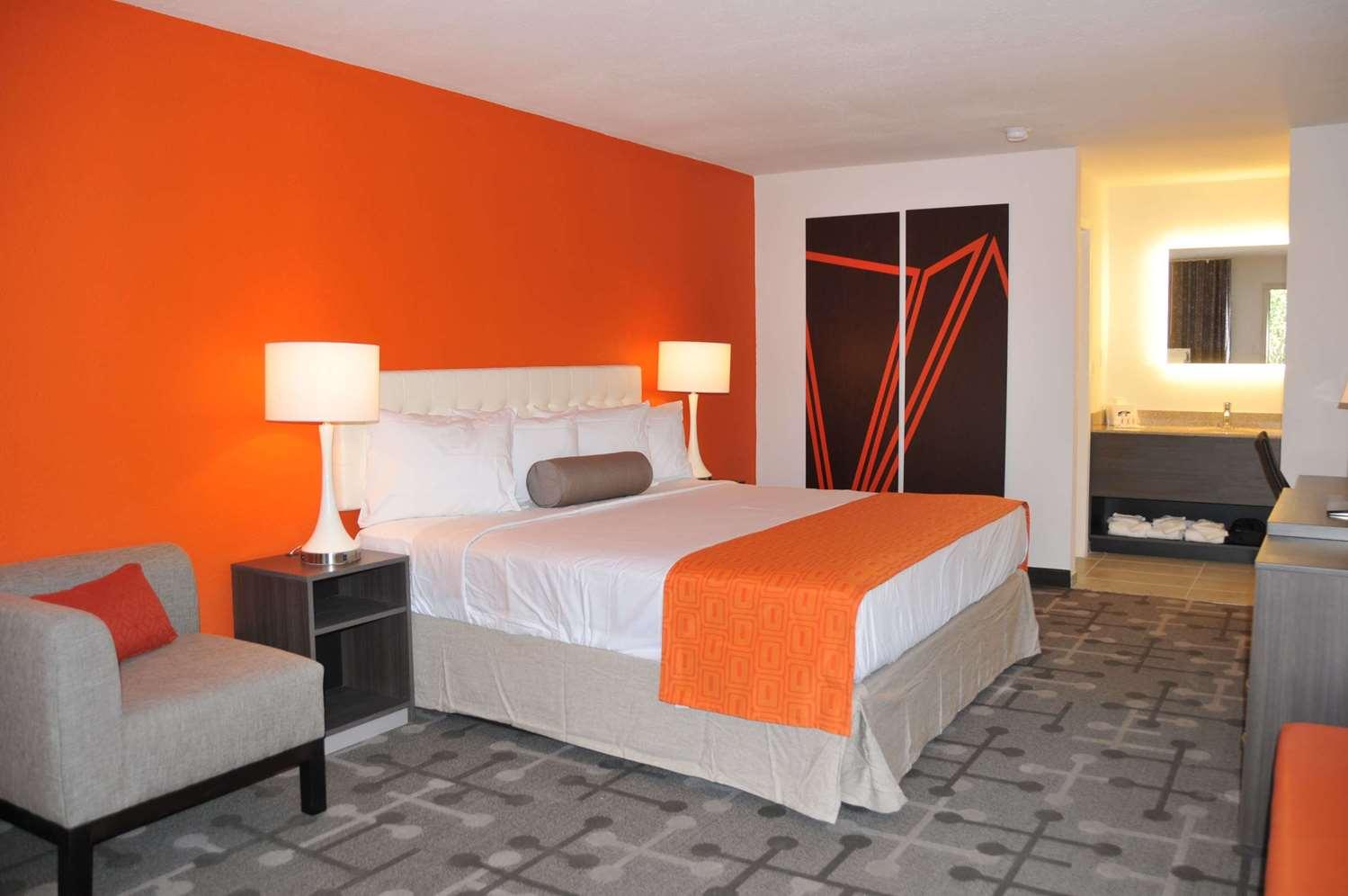 Room - Howard Johnson Express Inn Northwest Florence