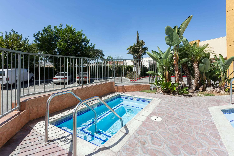 Ramada plaza hotel garden grove ca see discounts for Garden grove inn garden grove ca