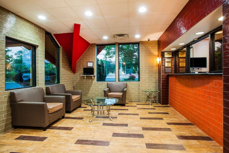 Lobby - Howard Johnson Express Inn North Plainfield