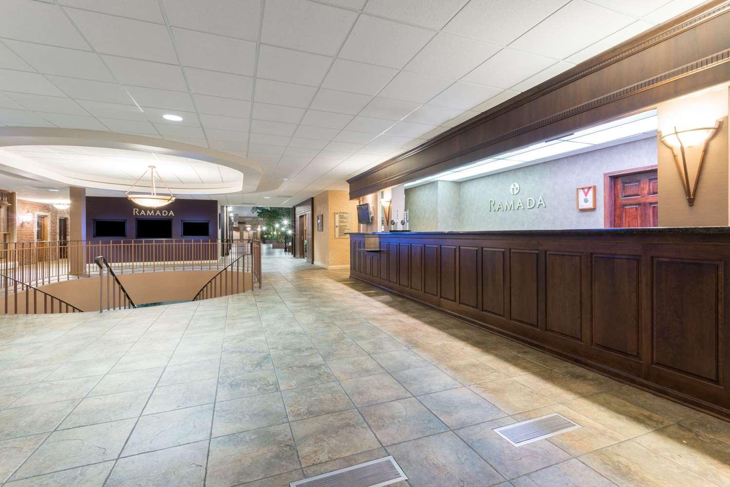 Lobby - Ramada Inn Convention Center Downtown Topeka