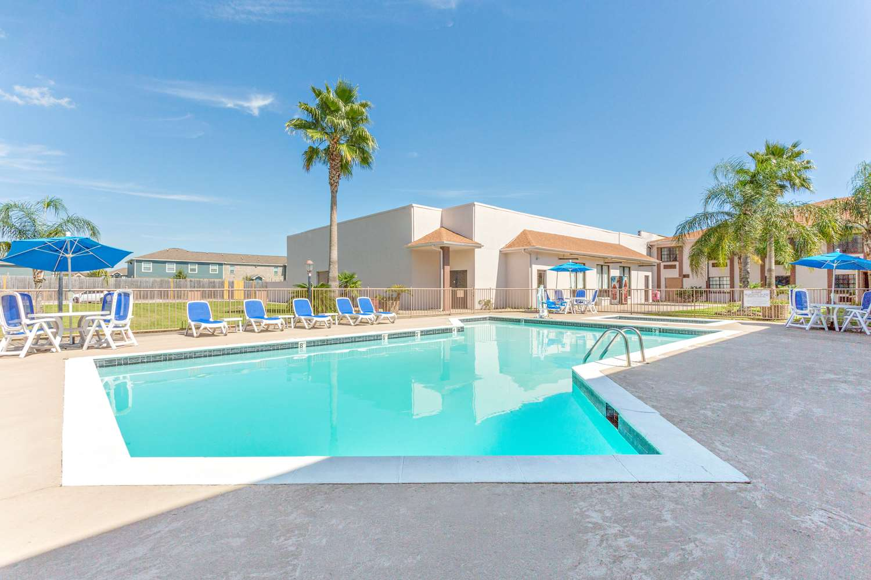 Pool - Baymont Inn & Suites Port Arthur