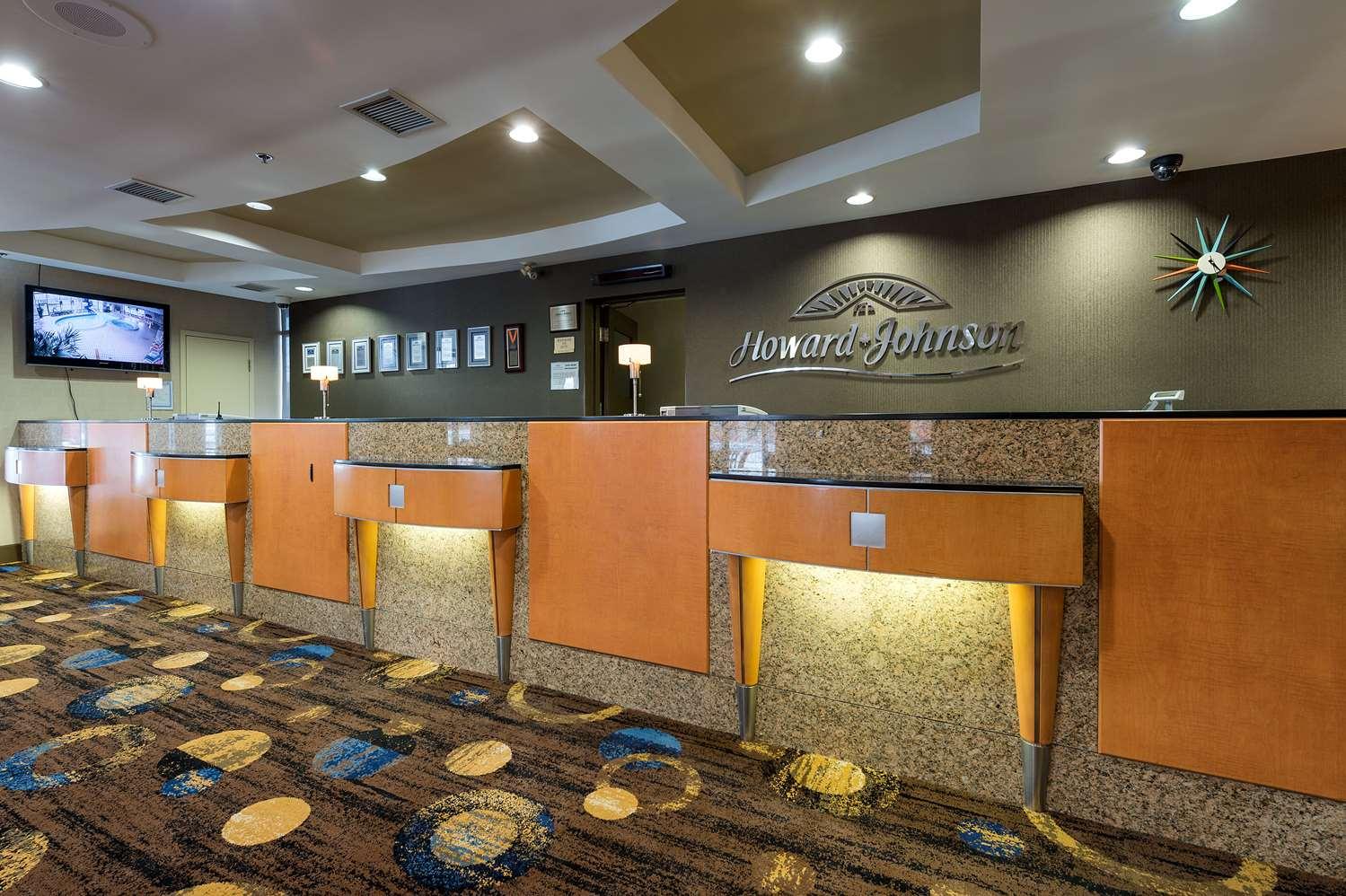 Lobby - Howard Johnson Hotel Niagara Falls