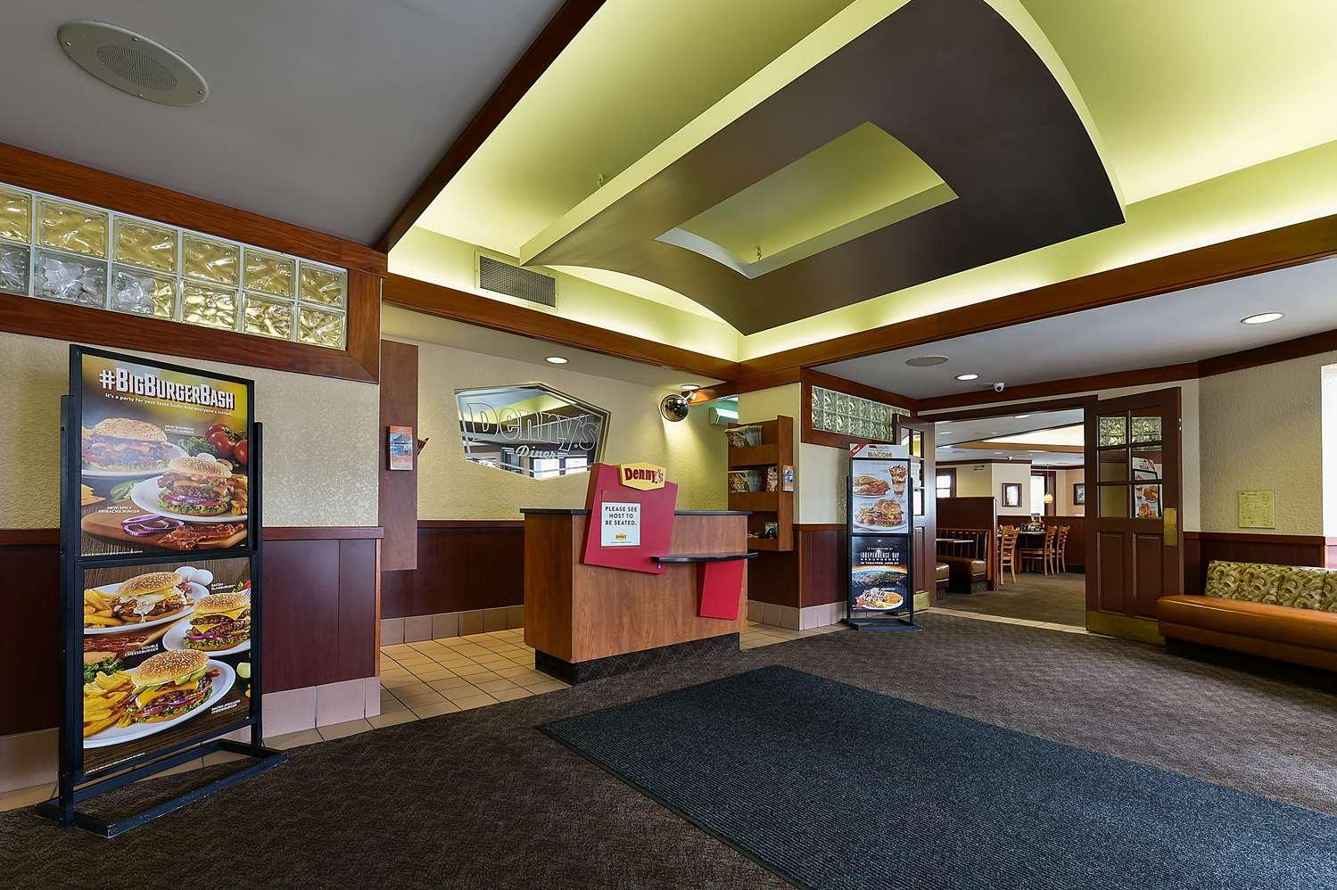 Restaurant - Howard Johnson Hotel Niagara Falls